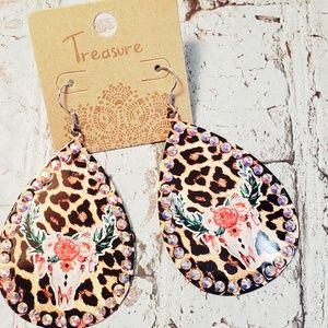 Jewelry - Leopard cowskull steerhead metal western earrings